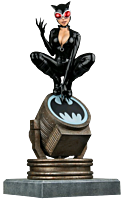 Batman - Catwoman on Bat-Signal Limited Edition 1/6th Scale Statue
