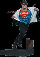 Superman - Call to Action Premium Format Statue